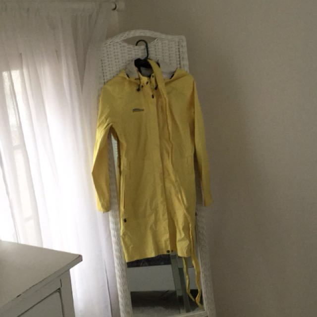 CHLOROPHYLLE waterproof coats size small