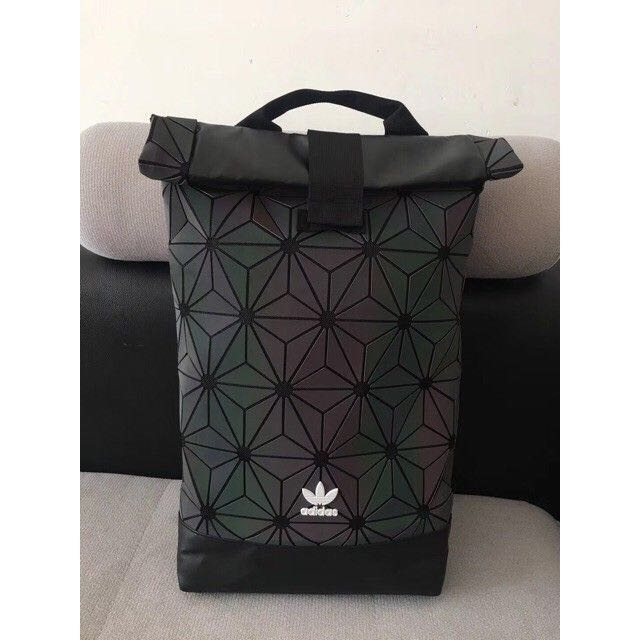 FREE POSTAGE‼️Adidas 3D Backpack | RAINBOW REFLECTED