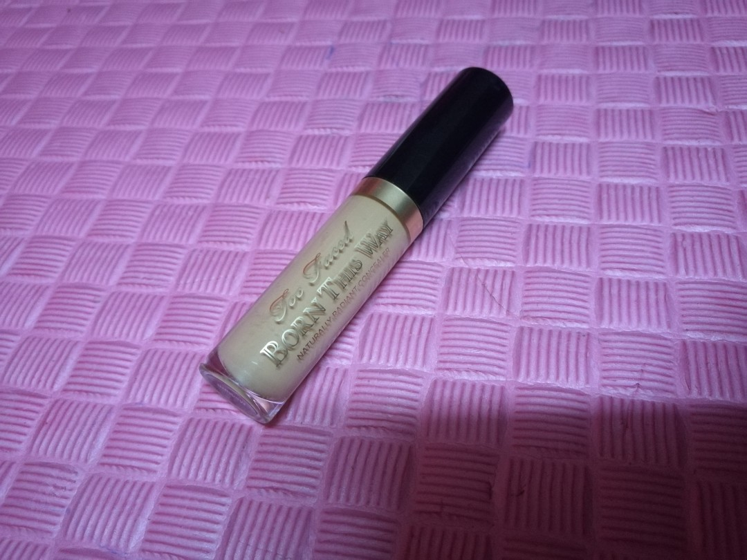 !!free postage!!Too faced born this way concealer MEDIUM