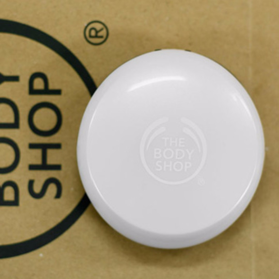 Moisture White Bright Compact Foundation # 03 by THE BODY SHOP