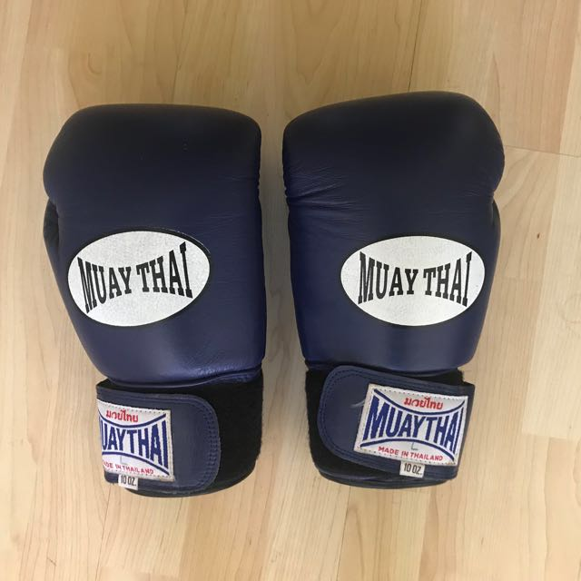 Muay Thai gloves, Sports, Sports & Games Equipment on Carousell
