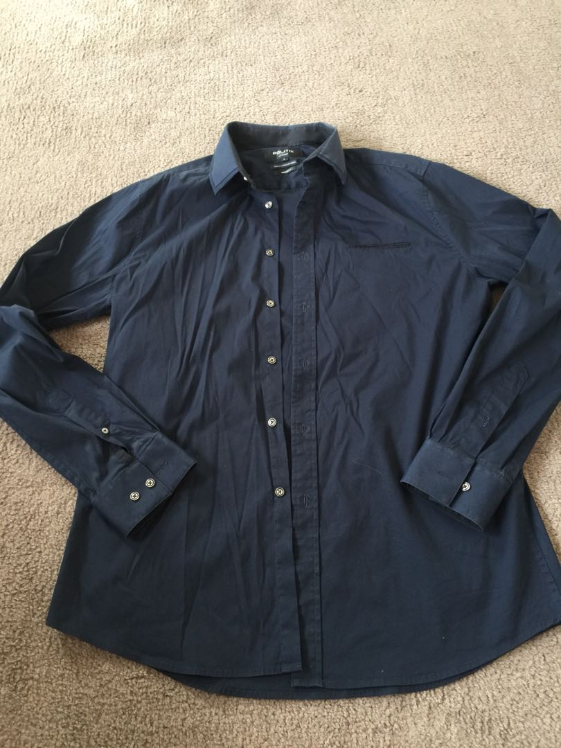Navy blue fitted shirt