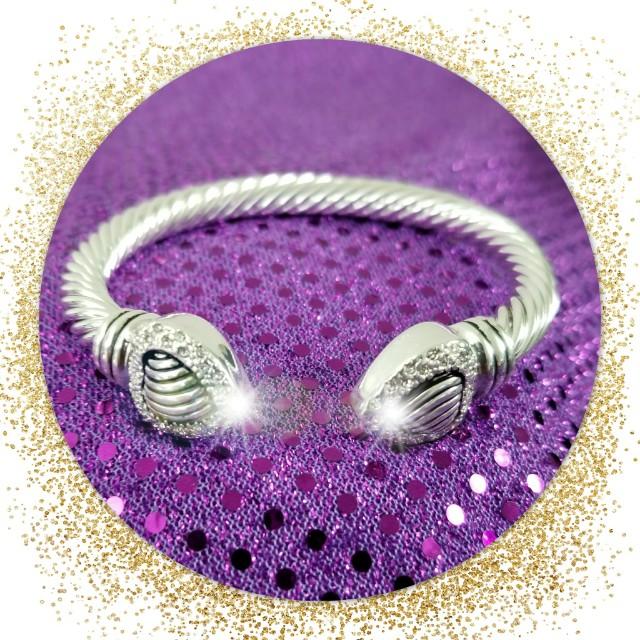 New Designer Look Rhinestone Heart Bracelet