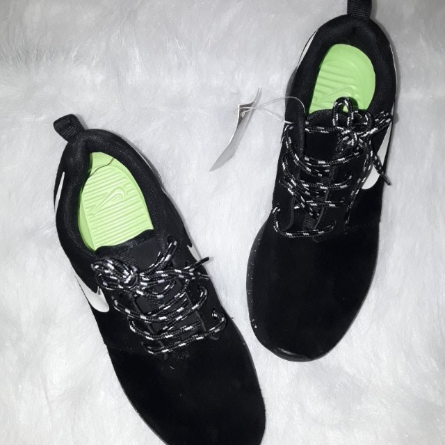 Nike Roshe Run Suede Black