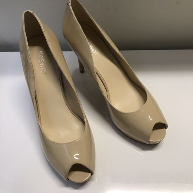 Nine West NEW Camel / Nude Stiletto Pumps - Patent Leather - 9.5