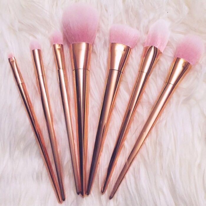 Rose Gold Metallic Makeup Brushes