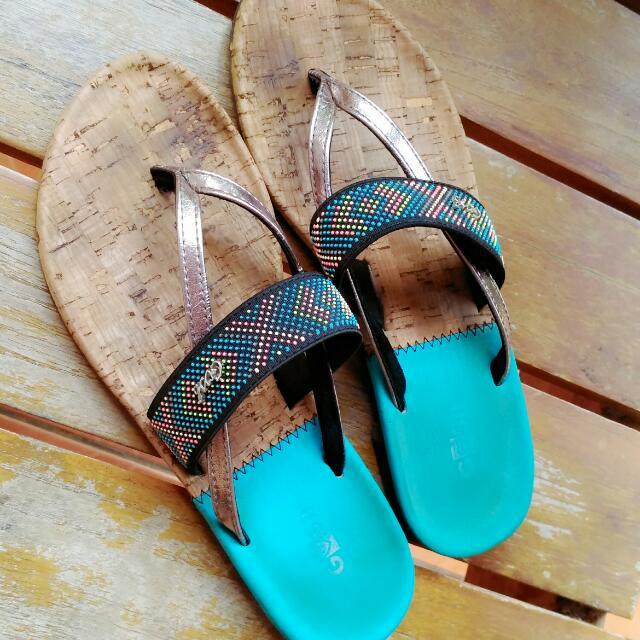 sandal gosh