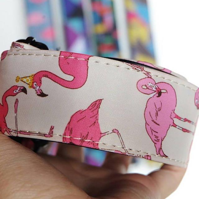 Strap flamingo