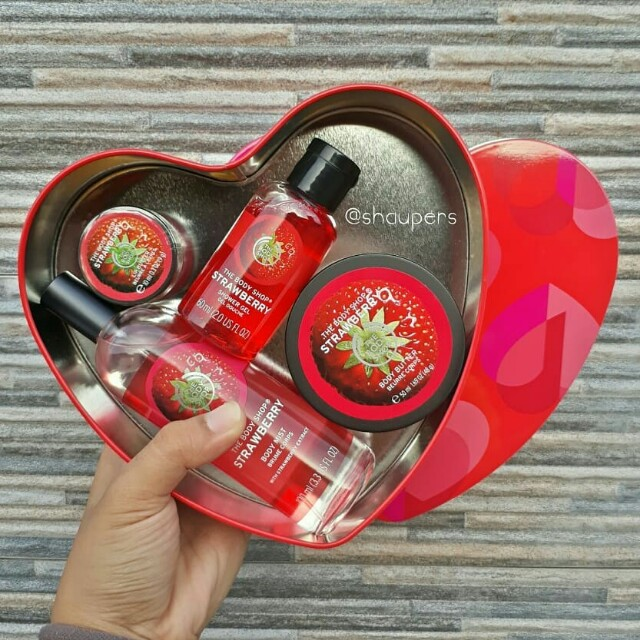Strawberry Gift Set Love Medium