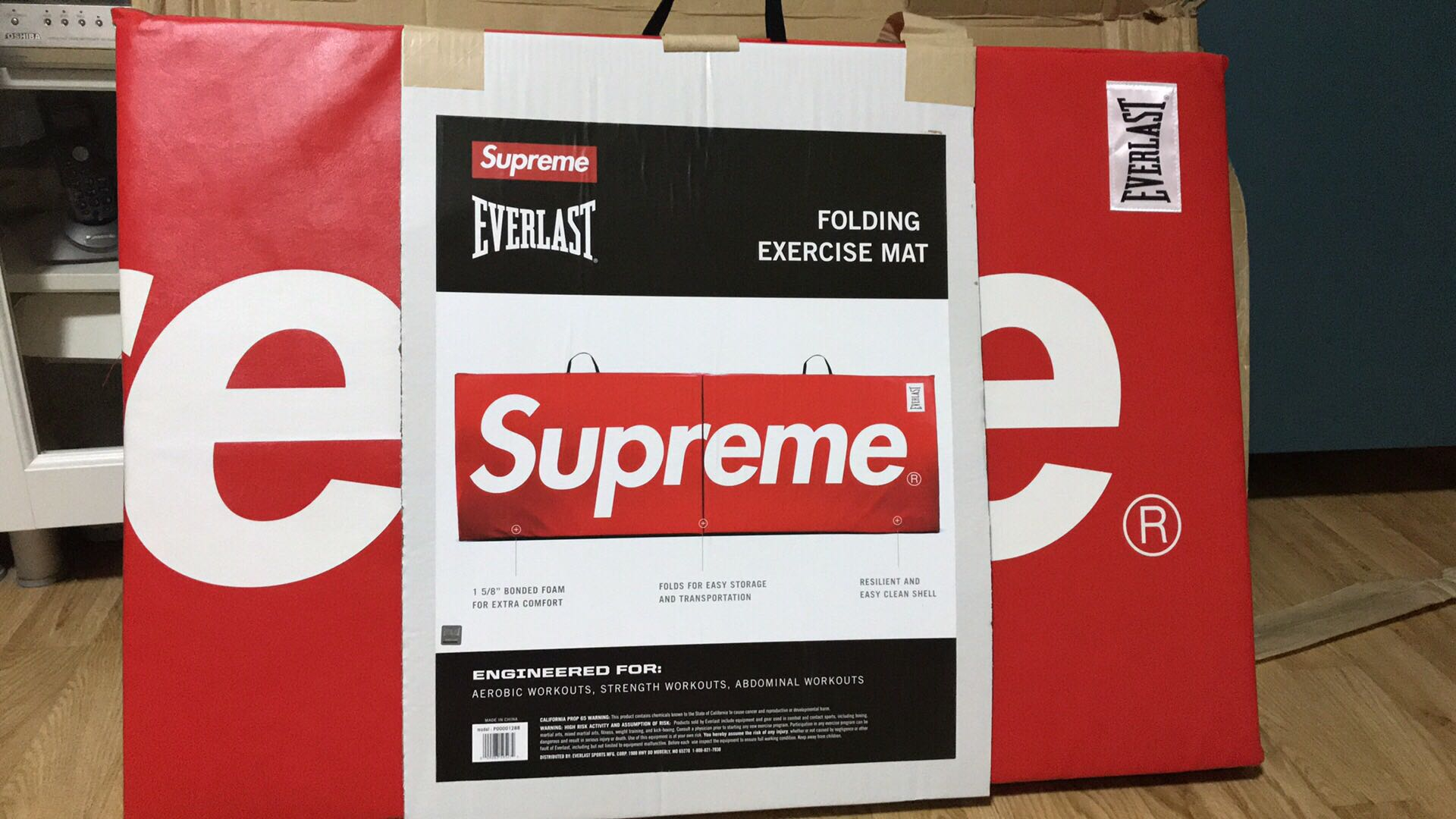Supreme X Everlast Folding Exercise Mat