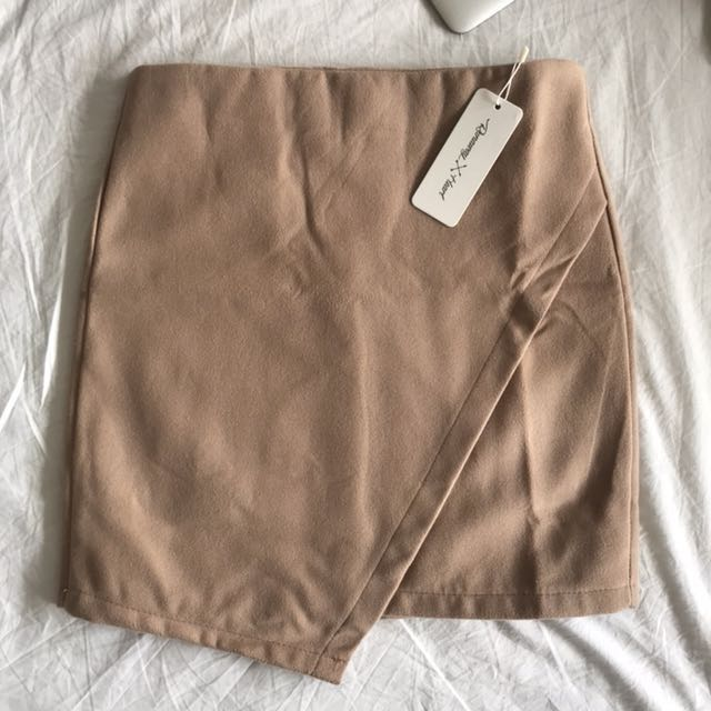 Thick wool skirt size 6