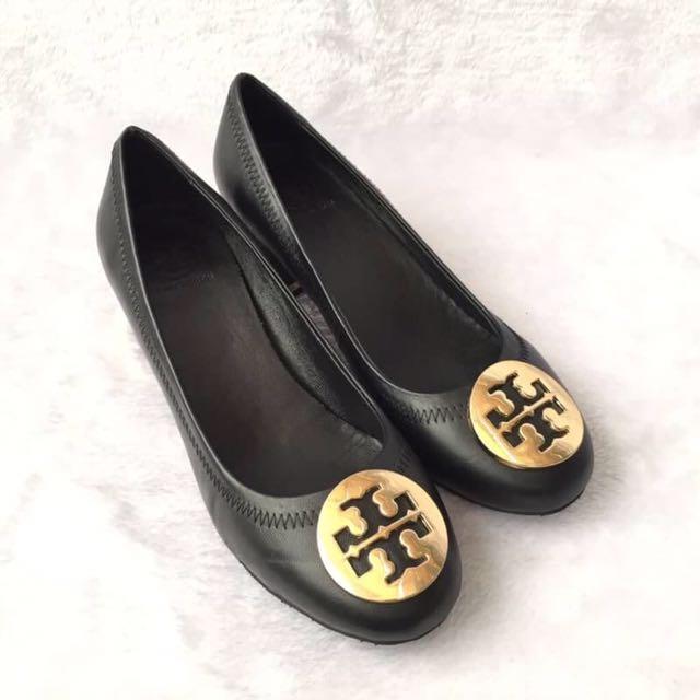 a8e84f88f TORY BURCH AMY PUMP HEELS, Women's Fashion, Women's Shoes on Carousell