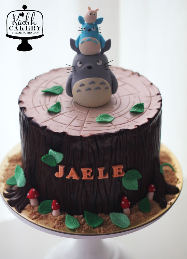 Totoro Birthday Cake Food Drinks Baked Goods On Carousell