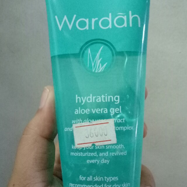 Wardah aloe vera gel dan peeling cream all 25ribu