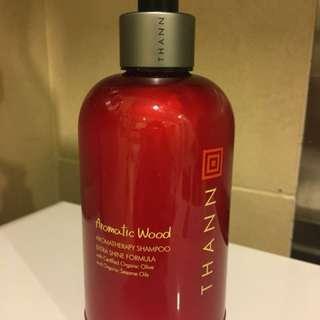 THANN Aromatic Wood Extra Shine Formula Shampoo