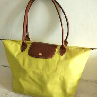 Longchamp - le pliage shoulder bag L tote LEMON