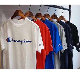 Champion logo t shirt