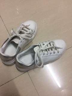 增高厚底小白鞋