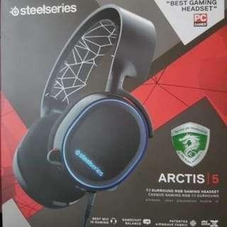 Headset steelseries Arctis 5 RGB murmer like new