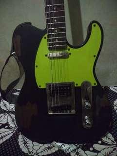 """Guitar telecaster samick """"pickupsnya udah pake seymour duncan tb4 dijamin suara gahar, cocok buat musik underground. Kondisi lecet pemakaian lihat gambar aja"""