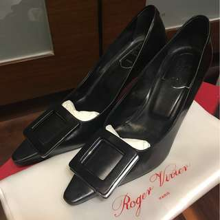 正品 Roger Vivier (RV) 黑色高踭鞋 (35.5號)Authentic RV Black Pumps/Shoes