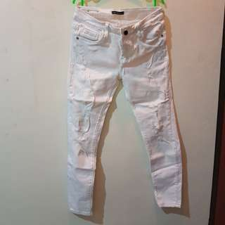 Ripped Jeans Putih Stradivarius Look Alike