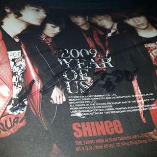 《AUCTION》Kim Jonghyun's Signed [Year Of Us] Album + Jonghyun Autograph queue ticket