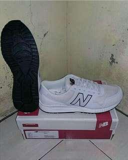 Sepatu New Balance Classic Full white