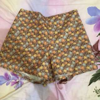 Flowers orange short