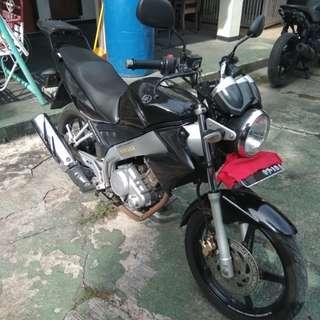 Jual Yamaha Vixion 2009 hitam benhil jakpus