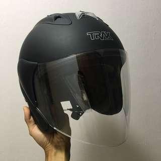 TRAX TR03ZR Matte Black Helmet