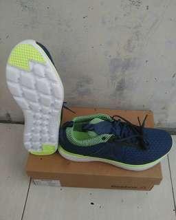 Sepatu Reebok Astroride