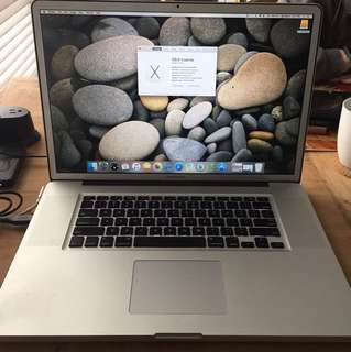 "*REDUCED* 17"" MacBook Pro-2009"