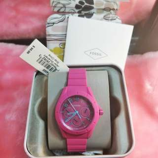 Authentic fossil pink jelly strap. BNew in a tin can with tag and gift receipt
