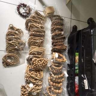 沉香佛珠手串。念珠。什么尺寸都有。味道好价格不高