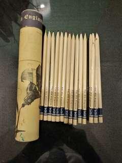 老英格蘭莊園(彩色畫畫笔)长短共16支只用過小小