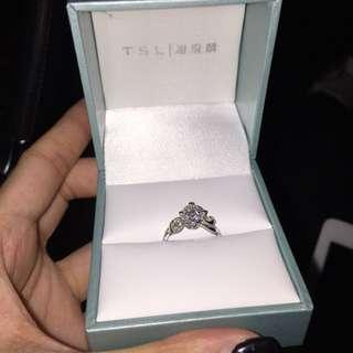 謝瑞麟 750/18K白金黃金鑲天然鑽石戒指