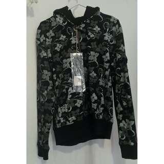 Brand new w/ tag designer Giga delux Zambelli hoodie. Size 42/12