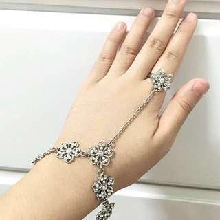 LOVISA DIAMOND BRACELET