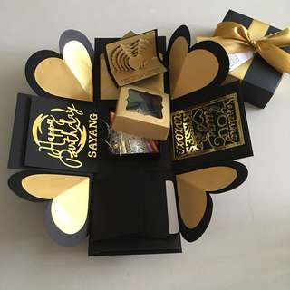 Explosion box with capsule box, 4 waterfall in black & gold