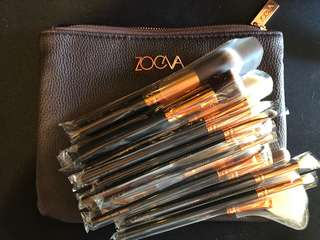 Zoeva brushes and clutch