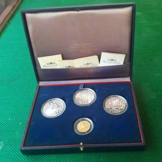 4 world cup proof coins( 1 gold 920 wt 8.45gm)