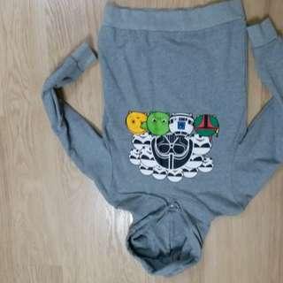 近乎全新Tsum Tsum小童長袖衫$50, 超值! 9~12歲合適。只限荃灣mtr或荃灣西站至屯門站,現金交收。謝