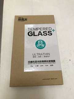 iPhone 6 玻璃 mon 貼