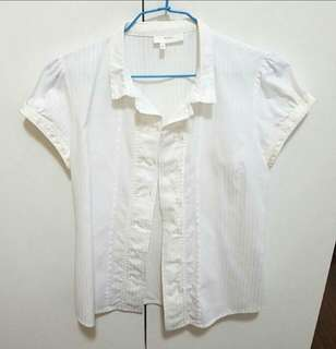 White Blouse / buttoned shirt