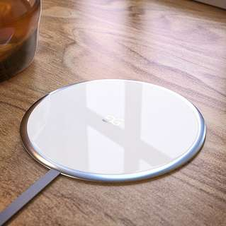 Phone Wireless Charger 電話無線充電器 (capable for all phones with this functions including iPhone X and 8, Samsung and Nokia)