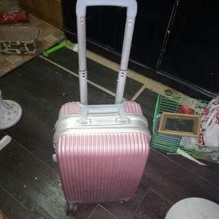 Luggage pink
