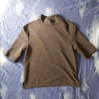 Black Quarter-Sleeve Turtleneck Shirt