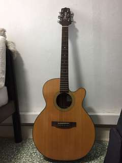 TAKAMINE D SERIES (D50C) / COMES WITH A BAG TOO!