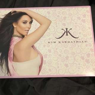 Kim kardashian perfume set
